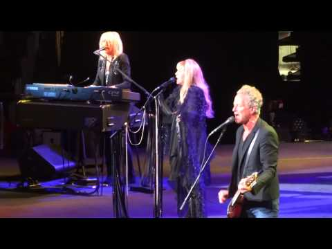 """Rhiannon"" Fleetwood Mac@Wells Fargo Center Philadelphia 10/29/14"
