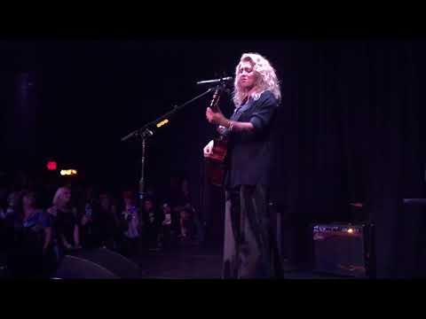 Tori Kelly - Hollow (The Roxy)