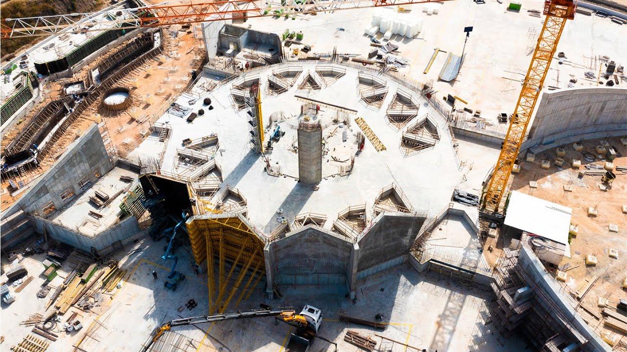 First columns of main edifice raised | Shrine of 'Abdu'l-Bahá | BWNS