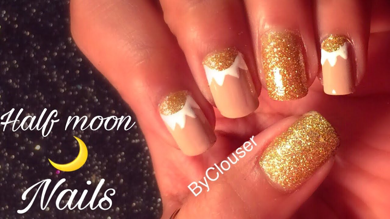 moon nails white and golden