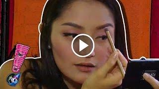 Gambar cover Barang Rahasia di Kotak Make Up Siti Badriah - Cumicam 11 April 2017