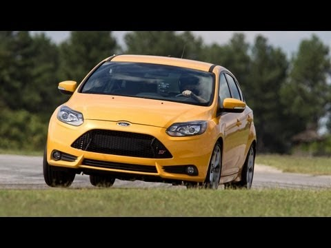 2013 Ford Focus ST - 2013 Lightning Lap - LL1 Class - CAR and DRIVER