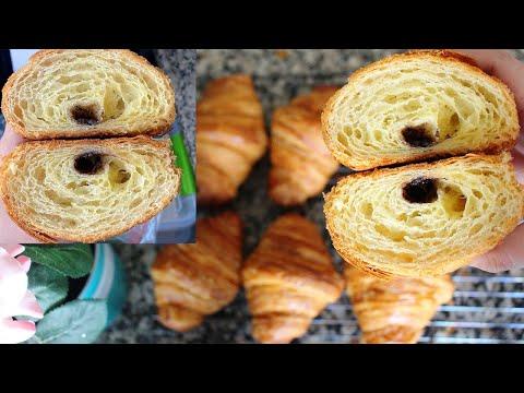 croissant/-.كرواصة-عجنوها-بالليل-و-طيبوها-الصباح-سخوونة-.مقرمشة-من-برا-و-مهوية-من-الداخل