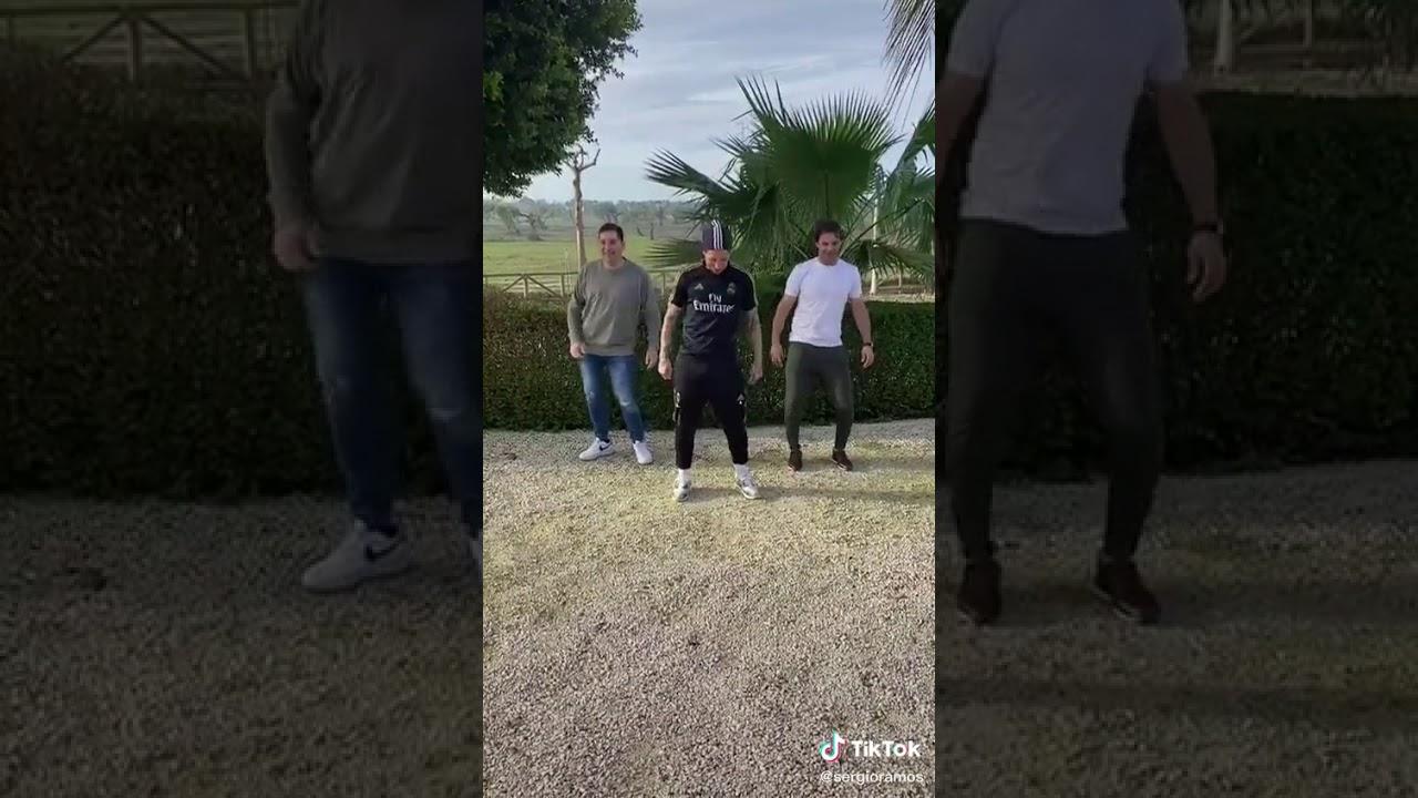 Sergio Ramos Bailando Maletero Tubo Escape Youtube