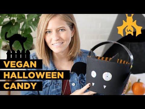 Vegan Halloween Candy Haul 🎃 Trick-or-Treat 👻