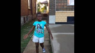 Lil girl cursing at the age of 5