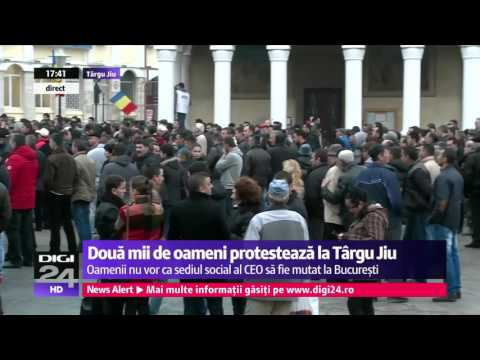 Protestest la Târgu Jiu impotriva mutarii sediului social al Complexului Energetic Oltenia.