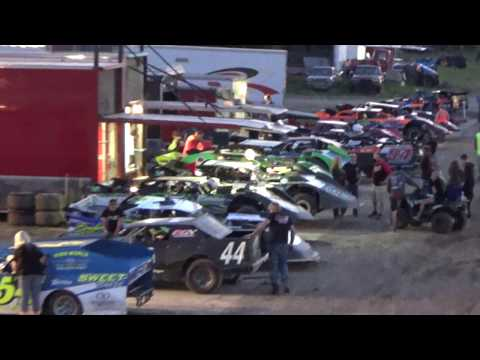 11. Pit intermission time at I-96 Speedway, Michigan on 06-02-17.