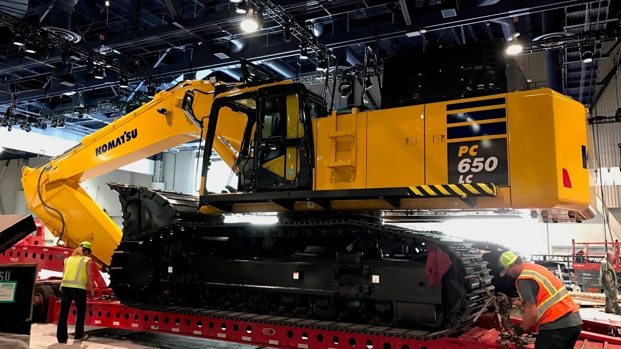Komatsu PC650 excavator moved by lowbed from Conexpo 2017