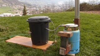"""Ep17 Chauffer sa """"piscine"""" avec un rocket stove / water heater with rocket stove"""