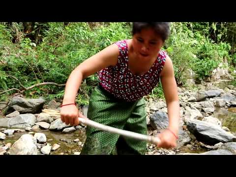 Primitive kh168 (3/1) - the woman eating eggs at river - cooking egg