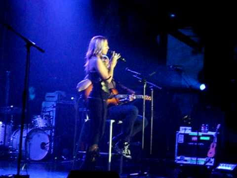 Colbie Caillat - I Never Told You - Live Acoustic Version - with Lyrics