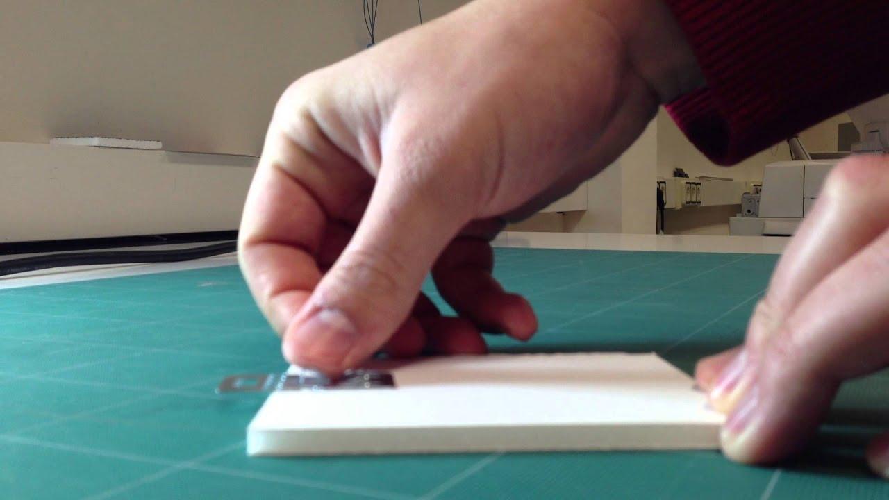Poner ganchos en carton pluma - YouTube