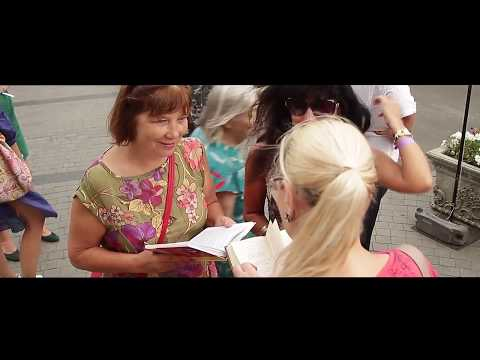 """Flash Mob """"Odessa reads. Odessa is read"""" eng"""
