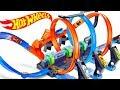 default - Hot Wheels Corkscrew Crash Track Set
