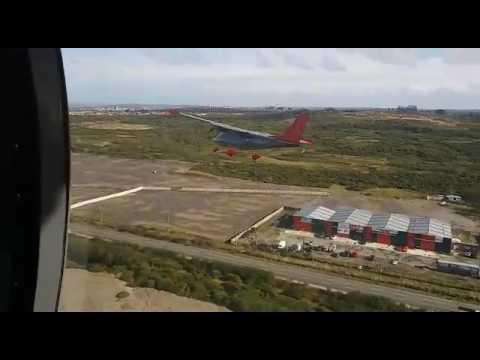 Vulcanair P68 Observer 2 debutó en desfile puertomontino por las Glorias Navales