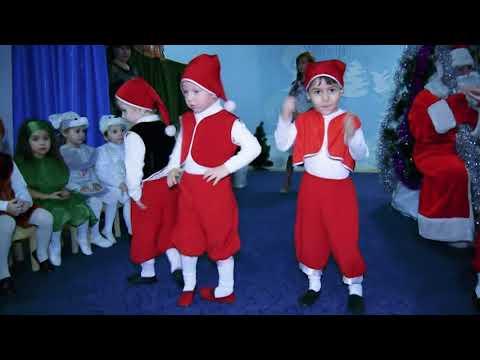 Танец гномов с фонариками в старшей группе