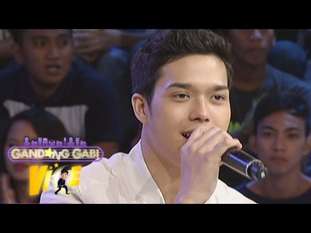 GGV: Elmo sings 'Girl Be Mine' for Pia