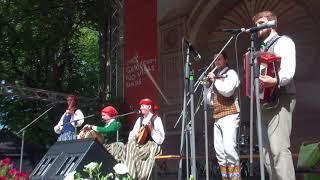 """00000  Folkloras diena """"Novadu sasaukšanās"""" uz Vērmanes dārza lielās skatuves 7.07.2018"""