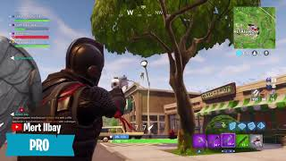 NOOB vs PRO vs HACKER in Fortnite Battle Royale Saison 4