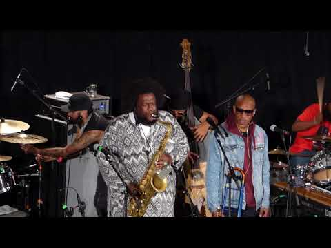 Kamasi Washington Band - Live at Inntoene,...