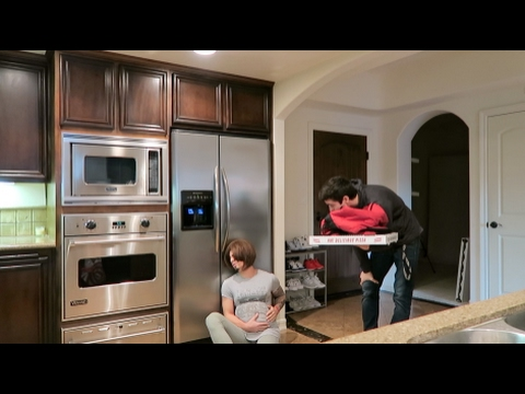 GOING INTO LABOR PRANK ON PIZZA DELIVERY GUY!!! (VICTIM 3)