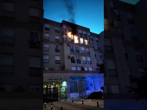 Un incendio en una vivienda de El Secano obliga al desalojo del edificio