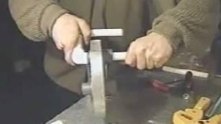 Муфтовая сварка пластиковых труб, сварка зеркалами(http://евроинструмент.рф Для полипропиленовых труб (ПП) диаметром от 16 мм до 125 мм в основном применяются аппар..., 2011-03-13T16:05:31.000Z)