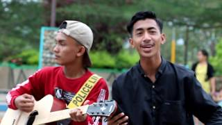 Download Video Pengamen Ganteng Ini Nyanyi lagu Galau (Korban Janji) MP3 3GP MP4