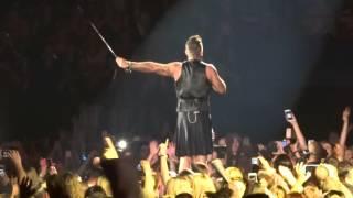 Robbie Williams - We Will Rock You/I Love Rock'n'Roll - 17/10/15 Brisbane HD