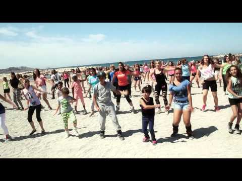 Boukan flash mob Chiki party