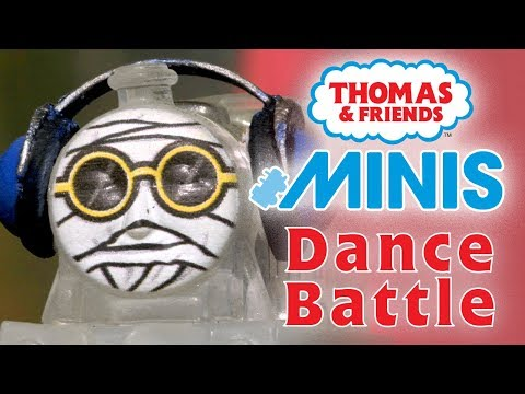 Dance Battle with Thomas & Friends MINIS | Playing around with Thomas and Friends