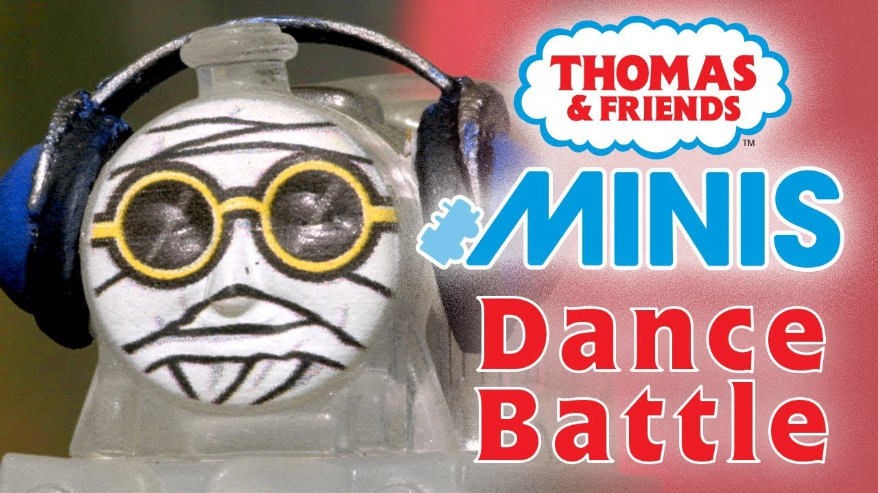 Dance Battle with MINIS | Playing around with Thomas & Friends | Thomas & Friends
