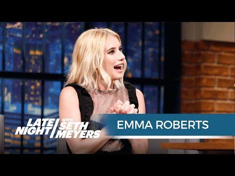 Emma Roberts Mom Still Texts on a Flip Phone