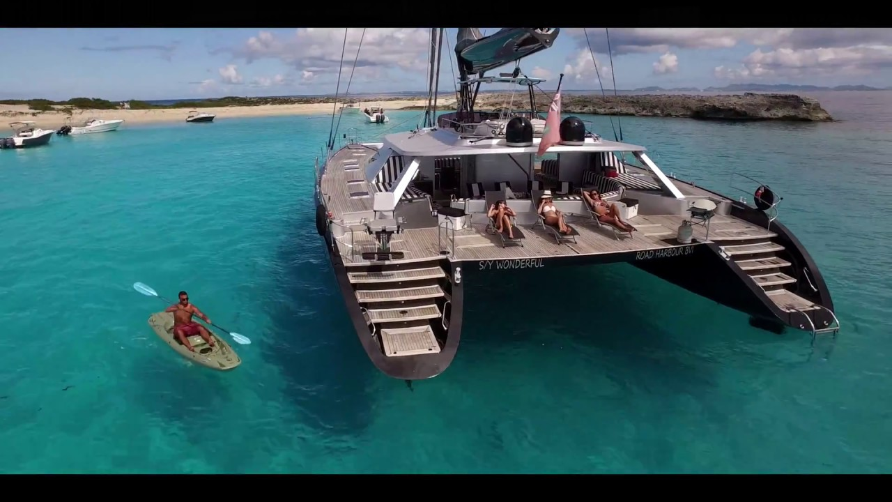 72 Ft catamaran 'Wonderful