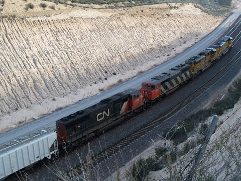 Morning Railfanning At Pepper Ave and Cajon Pass ft. Heritage Unit and Foreign Power 2/7/2015