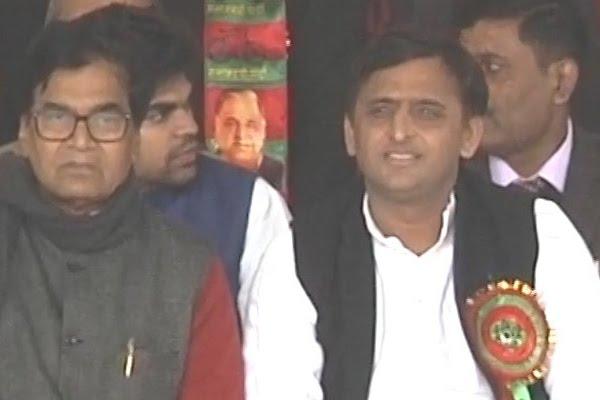 CM Akhilesh elected Samajwadi Party president; Mulayam made 'margdarshak'