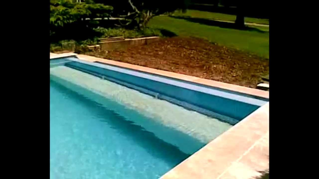 Le volet immerg montage sp cial youtube for Piscine miroir volet immerge