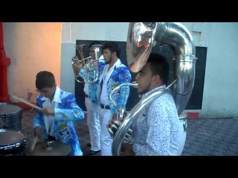 La Bandota La Super Corona Arriba Pichataro Y Tecateando En Santa Cruz Meyahualco.