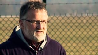Trailer, Ein Mann kämpft gegen Turbinen