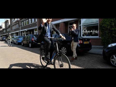 Netherlands People using cycle even its Prime minister | GLOBAL WARMING