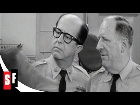 Sgt. Bilko / The Phil Silvers Show (2/5) Bilko Orders Hairpins & Chewing Gum (1955)