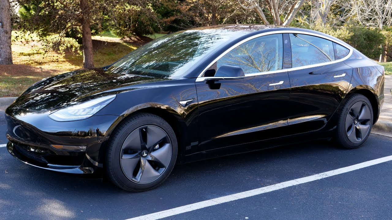 "Mobilnya Digemari Publik Cina, Tesla Tak Peduli pada Jargon ""MAGA"" Donald Trump #beritahariini"
