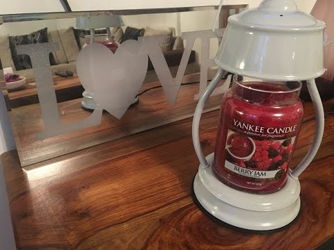 Yankee Candle Review: Berry Jam & Candle Lanterns
