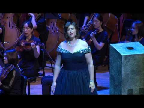 Kathleen Parker sings Elisabeth (Tannhäuser)