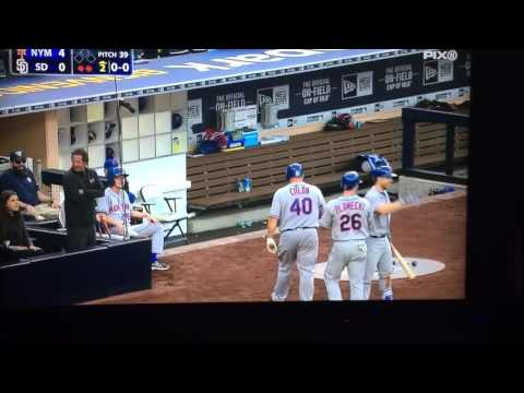 Bartolo Colon hits Homerun - YouTube