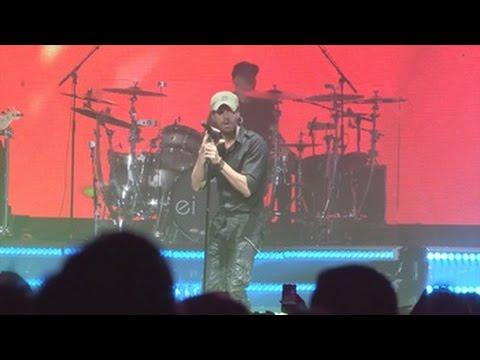 Enrique Iglesias y Pitbull reinan durante espectáculo en Miami