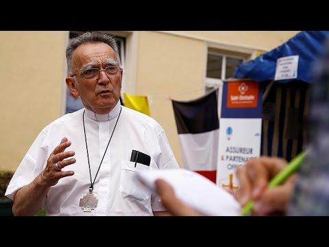 """Prêtre égorgé en France : le Vatican condamne un """"meurtre barbare"""""""