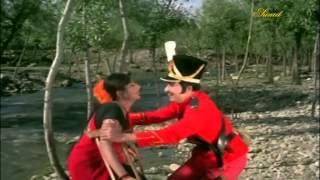 Poomazhai Thoovi Vasanthangal(1) - Ninaithathai Mudippavan (1975)