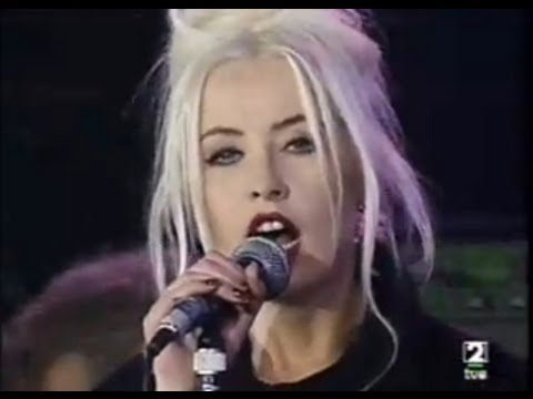 WENDY JAMES - A day in the life/The nameless one (Live)